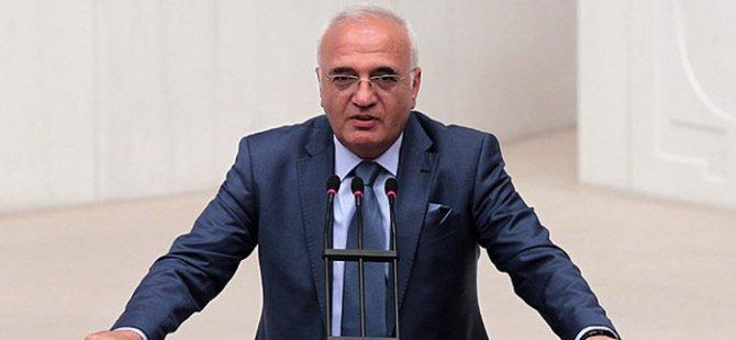 Mustafa Elitaş: Bahçeli neden istifa etmedi?