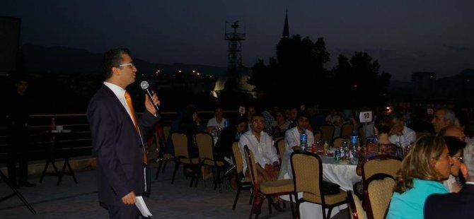 KAYSERİ'DE ECZACILAR,HİLTON'DA İFTARDA BULUŞTU