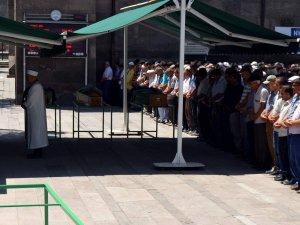KAYSERİ'DE TRAFİK KAZASINDA ÖLEN TEKİN BOZDAĞAN TOPRAĞA VERİLDİ