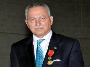 Ekmeleddin İhsanoğlu, İstiklal Marşı'nı bilmiyor
