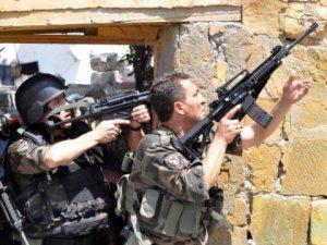 Kayseri'de Film Gibi Operasyon Tetikler Elde Bekledi