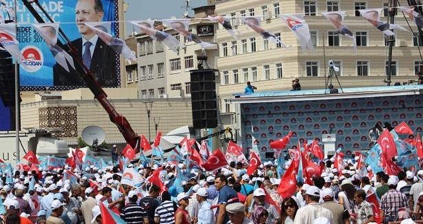 Başbakan Erdoğan'ı Kayseri'de coşturan pankart