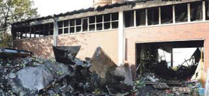Almanya'da Türk camisi yandı