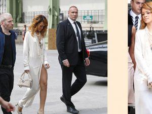 Rihanna defileye iç çamaşırsız geldi