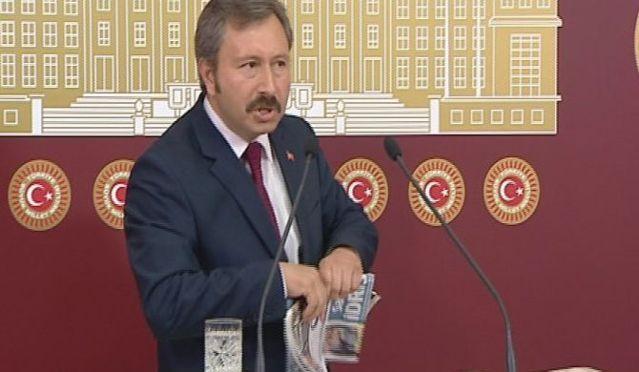 İdris Bal TBMM'de Star gazetesini yırttı VİDEO