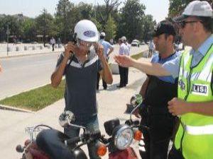 KAYSERİ'DE 147 MOTOSİKLET SÜRÜCÜSÜNE CEZA KESİLDİ