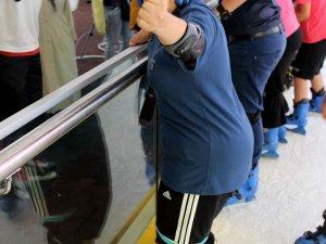 BÜYÜKŞEHİR'DEN DOWN SENDROMLU ÇOCUKLARA 'BUZ PATENİ' TERAPİSİ