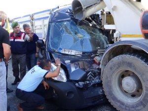 Bu araçtan sürücü ve yolcu sağ çıktı