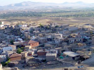 Ebiç Mahallesi'nde oturan 8 çocuk babası İzmilli Dayının kadın kavgası