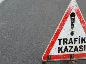 KIRŞEHİR'DE TRAFİK KAZASI: 2 YARALI