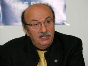 Bekaroğlu, Cumhuriyet Halk Partisi'ne resmen üye oldu