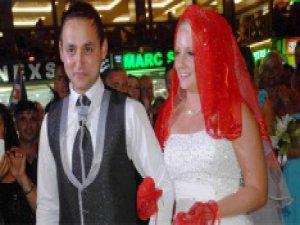 İngiliz geline Türk usulü düğün bildiğin kızlardan değilim