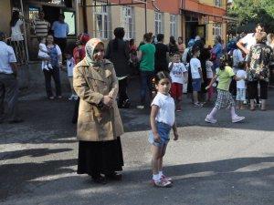 KAYSERİ'DE MİNİKLERİN OKUL HEYECANI BAŞLADI
