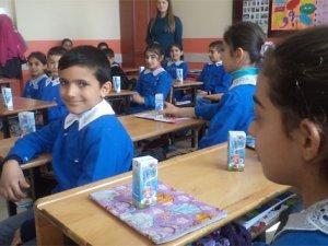 Öğrencilere 3 gün okul sütü dağıtılacak