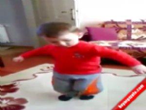 Minik Yağız'ın oyun havası videosu tıklanma rekorları kırıyor