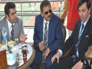Vali Düzgün'ün katılımlarıyla Erciyes Cup Tenis Turnuvası'nın Galası Yapıldı