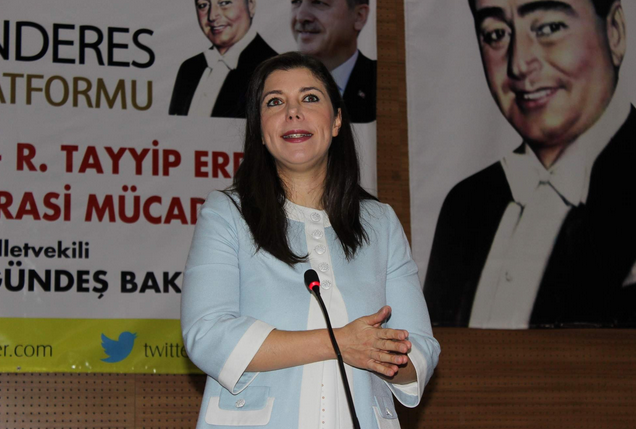 """""""ADNAN MENDERES'E TÜRK MİLLETİ, DEMOKRASİ ŞEHİD'İ LAKABINI VERMİŞTİR"""""""