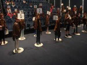 FORUM KAYSERİ'DE 'STAR WARS ASİLER' İÇİN ÇEKİLEN IŞIN KILIÇLARIYLA GUİNNES DÜNYA REKORU KIRILDI