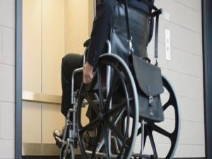 Başbakan Davutoğlu'ndan engellilere çifte müjde yolda