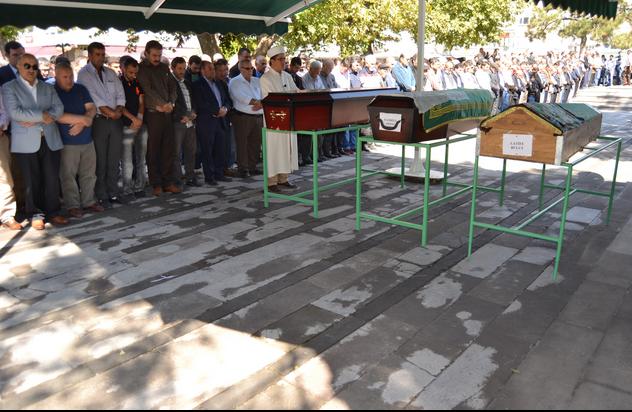ANTRENÖR MEHMET BULUT'UN ANNESİ LATİFE BULUT SON YOLCULUĞUNA UĞURLANDI