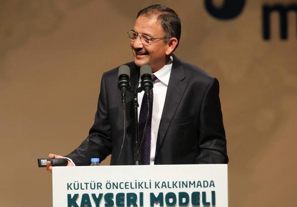 "ÖZHASEKİ ""KAYSERİ MODELİ'Nİ"" ANLATTI"