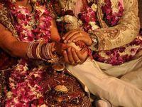 Evlenmek için ajan tutuyorlar