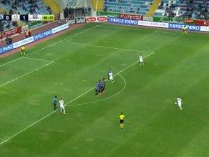 Sneijder frikikten Gökhan'a muhteşem bir gol attı