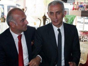 Hacıosmanoğlu kulübe ihanet etmeye devam ediyor