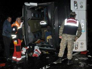 Sivas'ta polis otobüsü devrildi: 3 şehit, 35 yaralının isim listesi