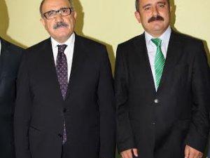 Sinan BURHAN,AK Parti Genel Başkan Yardımcısı ve Medyadan Sorumlu Genel Başkan Yardımcısı Beşir ATALAY'ı ziyaret etti