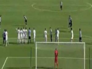 Genç futbolcudan mükemmel gol! - VİDEO
