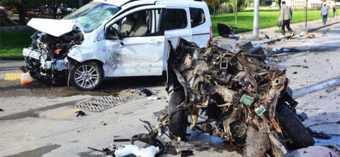 Mamak'ta Bu araçtan sağ çıktı 1'i ağır 4 kişi yaralandı