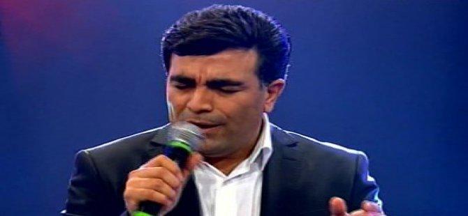 O Ses'de İranlı yarışmacıdan İbrahim Tatlıses şarkısı-video
