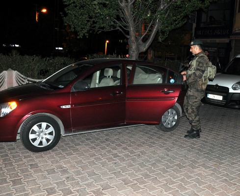 İLDEM'DE MAGANDA DEHŞETİNE POLİS MÜDAHALESİ