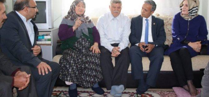 Başbakan Davutoğlu'nu rüyasında gören kadın arsa bağışladı