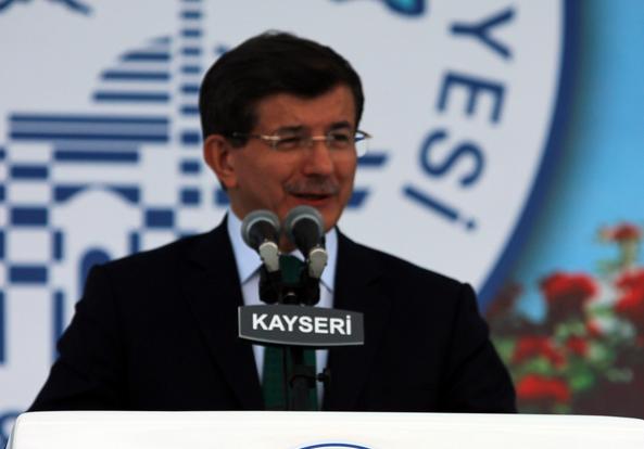 Başbakan Davutoğlu'ndan Kayseri'ye Hızlı Tren Sürprizi