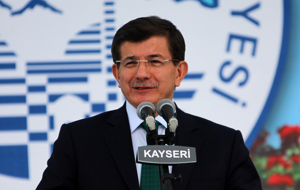 """Davutoğlu: """"Kayserililer kabul ederse bende Kayseriliyim"""""""