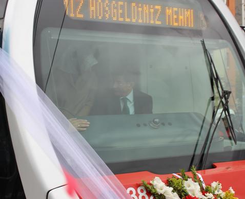BAŞBAKAN DAVUTOĞLU'NDAN ''KAYSERİ MODELİ'NE ÖVGÜ