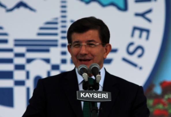 """DAVUTOĞLU: """"GEZİ PARKI, 17 ARALIK VE KOBANİ ÖZ GÜVENE SALDIRIDIR"""""""