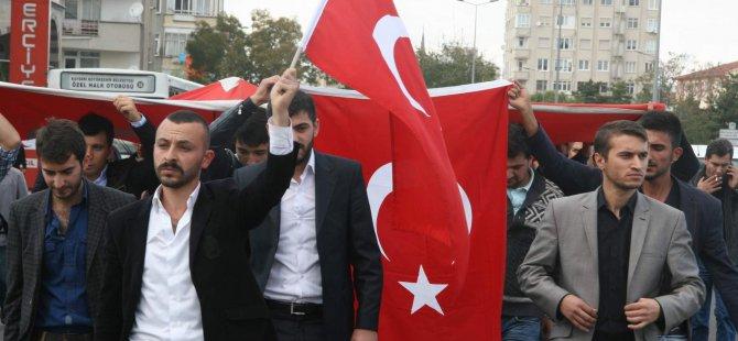 Yüksekova ilçesinde şehit edilen 3 asker için Kayseri'de Protesto ettiler