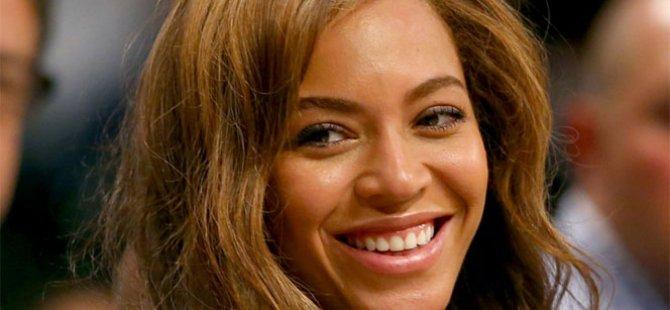 Beyonce Kur'an'dan ayet paylaştı