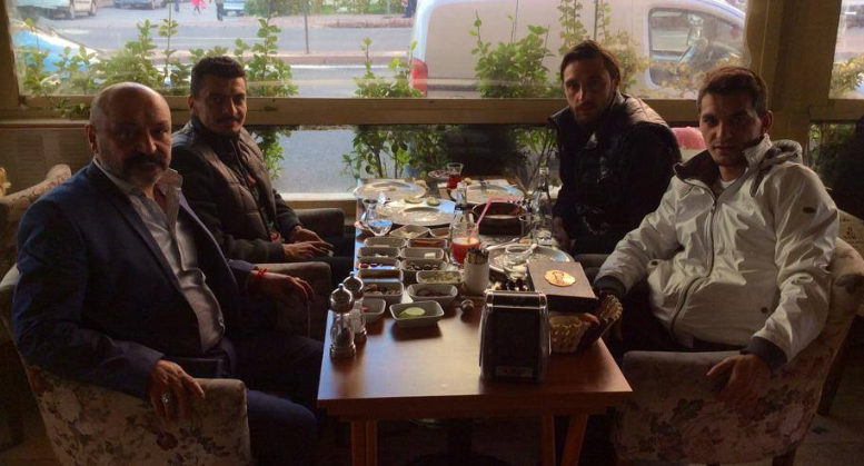 KAYSERİSPOR'UN YILDIZ FUTBOLCULARI CİHAN SİMİTTE BİR ARAYA GELDİ