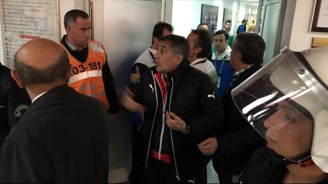 Kayseri Erciyesspor-Bursaspor maçında kavga!