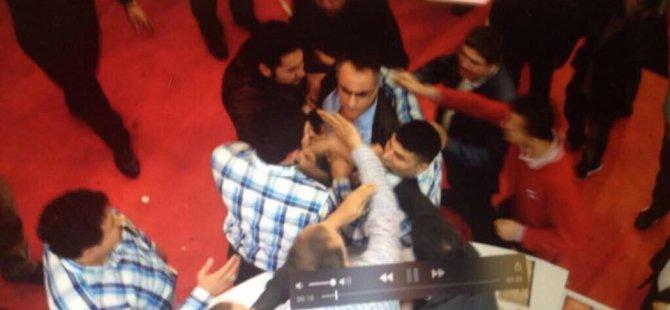 Dumanlı'nın koruması gazeteci tokatladı