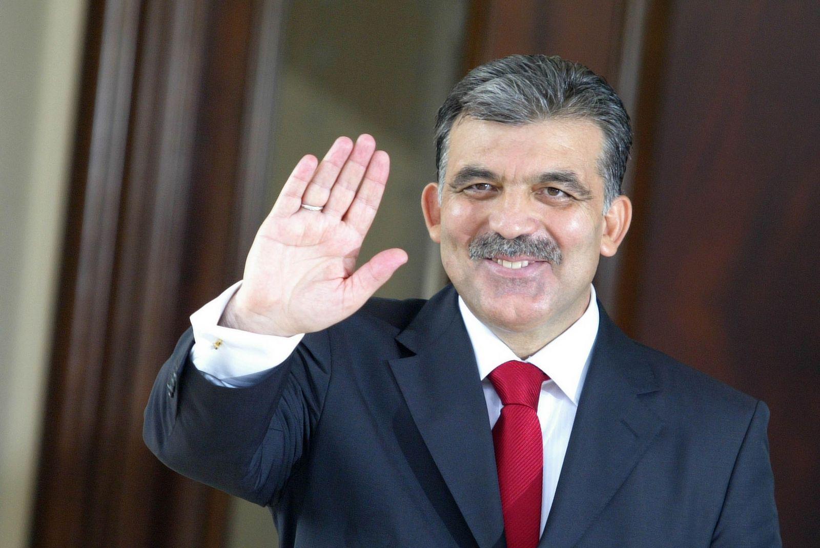 Abdullah Gül'e çok büyük görev!