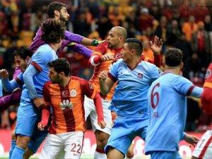 Galatasaray kabus gördü İkram ettiler 3 yedi