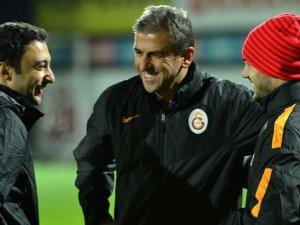 Hamzaoğlu'ndan Sneijder'le mutluluk pozu