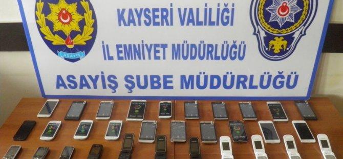 KAYSERİ'DE CEP TELEFONU HIRSIZLARI TUTUKLANDI