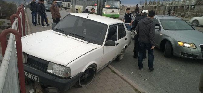 SÜMER KÖPRÜSÜNDE TRAFİK KAZASI