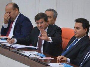 Başbakan Davutoğlu'ndan vekillere susun uyarısı